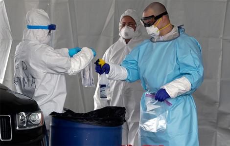 Pháp tái bùng phát ca nhiễm, WHO lo ngại COVID-19 lây lan ở các trại tị nạn