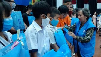 425 suất học bổng cho học sinh, sinh viên nghèo