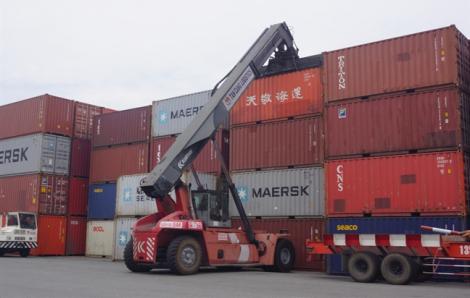 8 tháng Việt Nam xuất siêu 13,5 tỷ USD