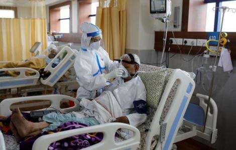 Bệnh viện Ấn Độ tranh giành oxy khi số ca mắc COVID-19 vượt quá 5 triệu