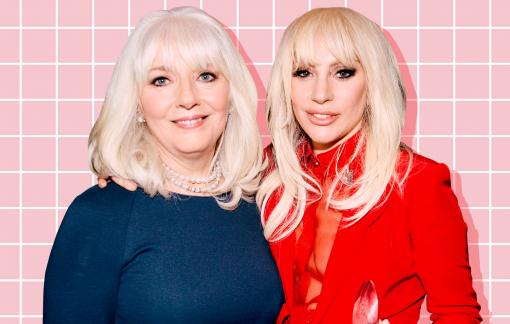 Lady Gaga và mẹ ruột viết sách về quãng thời gian đen tối nhất
