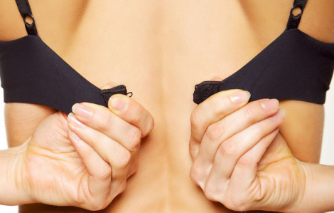 5 lợi ích về sức khỏe khi bạn không mặc áo ngực