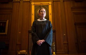 Nữ thẩm phán Tòa án tối cao Mỹ, nhà hoạt động nữ quyền qua đời vì bệnh ung thư