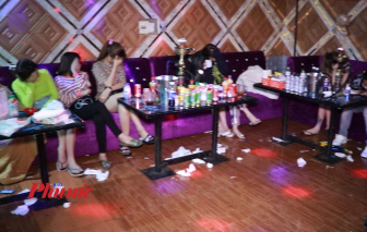 """Sau tiệc sinh nhật, gần 50 nam nữ kéo nhau vào quán karaoke """"bay lắc"""""""