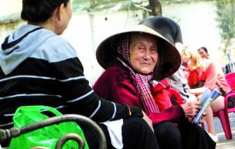 """Kinh tế Việt Nam: Sau COVID-19, giật mình một """"xã hội già"""""""
