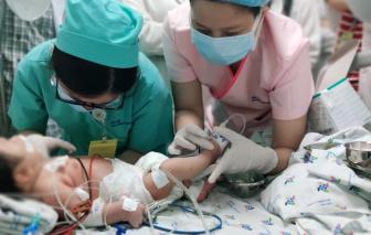 Tại sao em bé ở Long An có da màu xanh?
