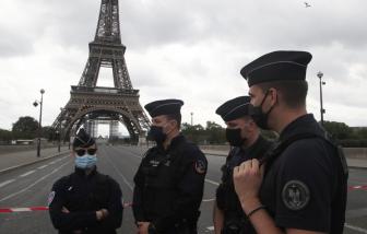 Tháp Eiffel bị dọa đánh bom, Paris sơ tán khẩn cấp