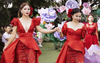 Chị em Cẩm Ly - Minh Tuyết bất ngờ 'đại náo' sàn diễn Pink Garden show
