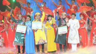 Chuông Vàng Vọng cổ 2020: Nguyễn Quốc Nhựt chạm tay vào chiến thắng