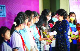 Học bổng Nguyễn Thị Minh Khai 30 năm tiếp nối những ước mơ