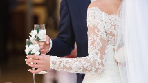 """""""Lời nguyền"""" xung đột vì đám cưới"""