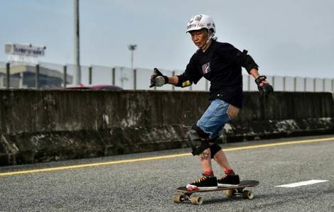 Đánh bại ung thư, người mẹ 63 tuổi trở thành VĐV quốc gia môn trượt ván
