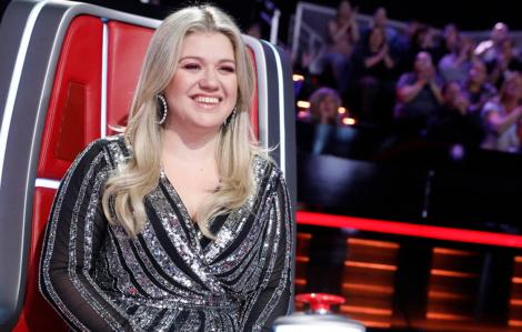 Ca sĩ Kelly Clarkson bị kiện vì khoản nợ 1,4 triệu USD
