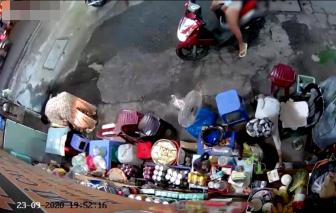 Bắt người phụ nữ chở con dàn cảnh trộm tài sản của người bán nước