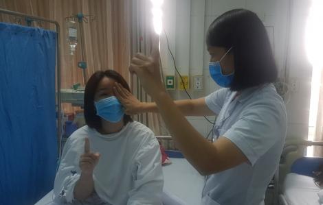 Nữ nhân viên ngân hàng mù mắt ngay sau khi tiêm filler