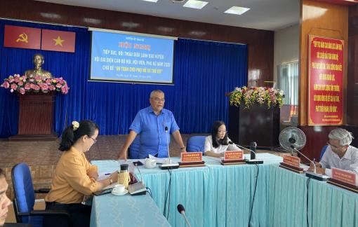 Cán bộ, hội viên, phụ nữ đối thoại với lãnh đạo huyện Nhà Bè