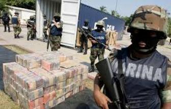 Hàng chục xác chết được tìm thấy trong xe tải bỏ hoang ở Mexico