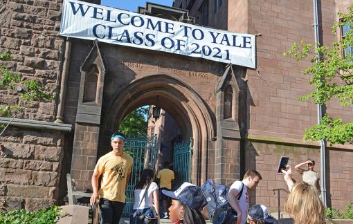 Đại học Yale bị khởi kiện về hành vi phân biệt trong tuyển sinh