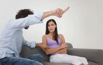 Sao phải cam chịu người chồng tệ bạc?