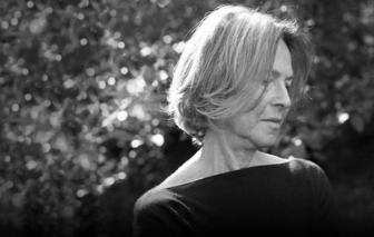 Nobel văn học 2020 và hiện thực tréo ngoe của thơ Việt