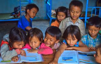 Chuẩn bị thẩm định sách giáo khoa tiếng dân tộc lớp 1
