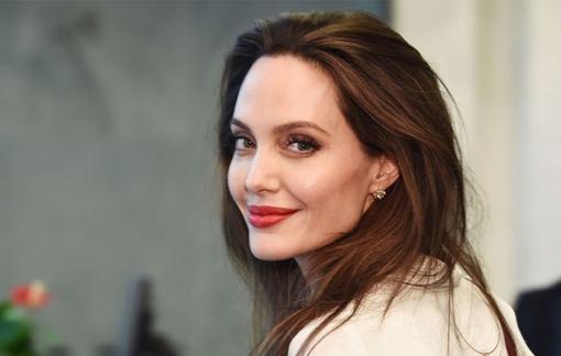 Tập sách mới của Angelina Jolie dành cho giới trẻ