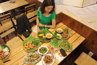 Ăn gì trong ngày mưa ở Sài Gòn?