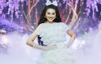 Thanh Hằng hóa công chúa ngọt ngào