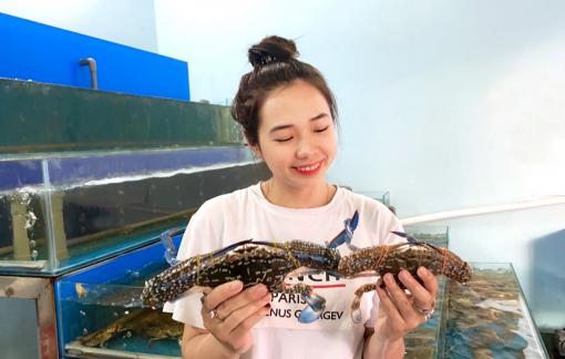 Bài 1: Cô sinh viên làm chủ hai cửa hàng hải sản