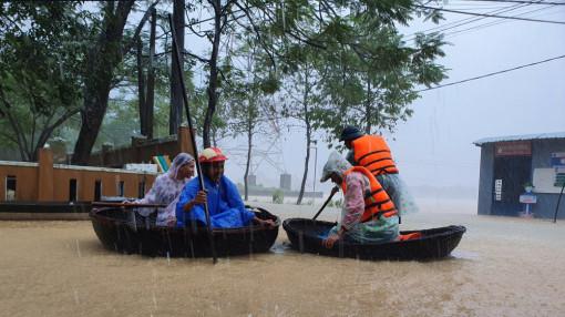 Miền Trung lại tất bật ứng phó áp thấp nhiệt đới