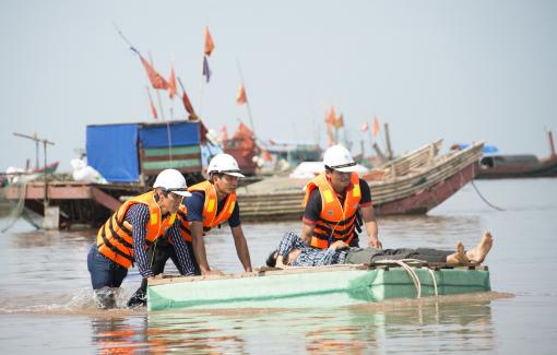 Mỹ viện trợ 100.000 USD hỗ trợ bão lụt miền Trung