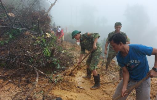 Quảng Trị: Sạt lở núi do mưa lớn khiến 2 người chết, 4 người mất tích