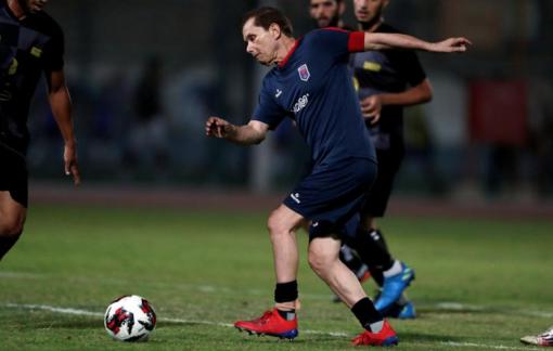 Cụ ông người Ai Cập trở thành cầu thủ bóng đá chuyên nghiệp già nhất thế giới