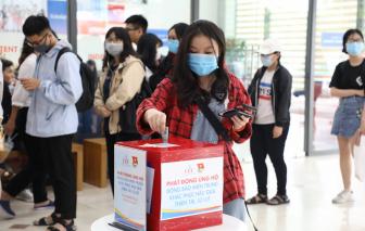 TP.HCM: Nhiều trường giảm học phí, tặng học bổng cho học sinh, sinh viên vùng lũ miền Trung