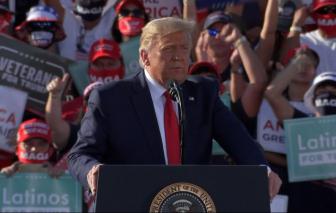 """Tổng thống Donald Trump phong mình là """"siêu phục hồi"""", gọi ông Biden là """"Joe trầm cảm"""""""