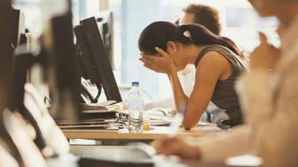 Ngồi nhiều tăng nguy cơ tiểu không tự chủ