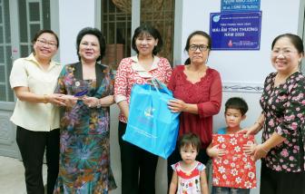 Trao hai mái ấm cho phụ nữ khó khăn, lớn tuổi tại quận Gò Vấp