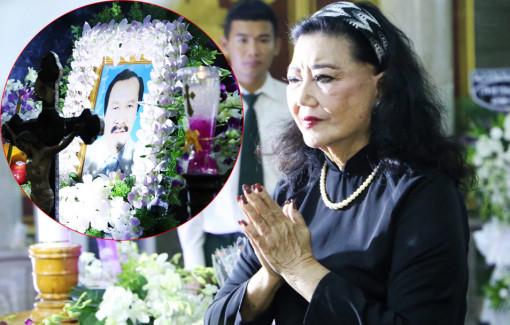 Nghệ sĩ đến chia buồn cùng gia đình NSND Lý Huỳnh