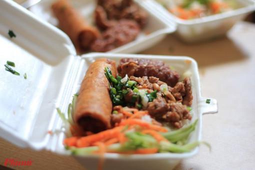 Những dòng bún chan mắm ăn lúc nào cũng ngon ở Sài Gòn