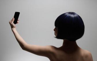 Ảnh khỏa thân của giới trẻ có nguy cơ bị tung lên mạng xã hội