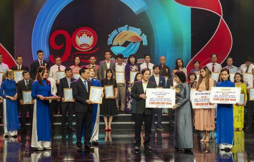 THACO ủng hộ Quỹ Vì người nghèo TP.HCM 5 tỷ đồng