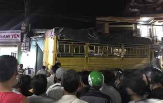 Quảng Ngãi: Tai nạn liên hoàn, ít nhất 7 người thương vong