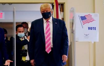[Video] Tổng thống Trump đích thân bỏ phiếu cho chính mình tại bang Florida