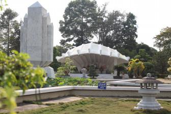 Đến Đồng Tháp, viếng mộ thân sinh Chủ tịch Hồ Chí Minh