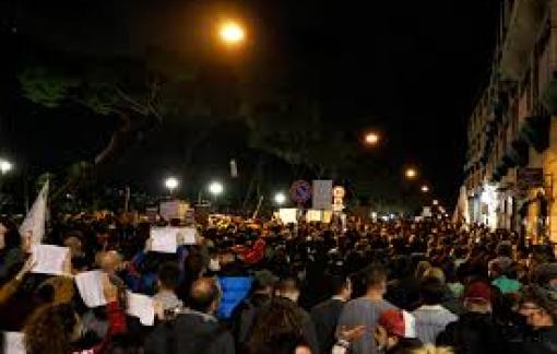 Bùng phát biểu tình bạo lực tại Ý, châu Âu ban hành các biện pháp hạn chế mới vì dịch COVID-19