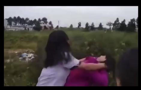 Chỉ vì mâu thuẫn lời nói, hai nữ sinh lớp 7 hẹn ra đánh nhau