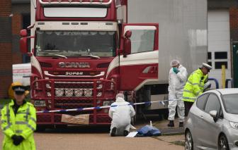 Lời kể đau lòng của người cảnh sát đầu tiên có mặt tại hiện trường vụ 39 người Việt chết trong xe container ở Anh