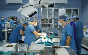Lần đầu tiên Việt Nam ghép ruột từ người cho sống