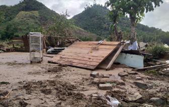 Thủy điện Đăk Mi 4 xả lũ, hàng trăm nhà dân huyện Nam Giang trôi tài sản