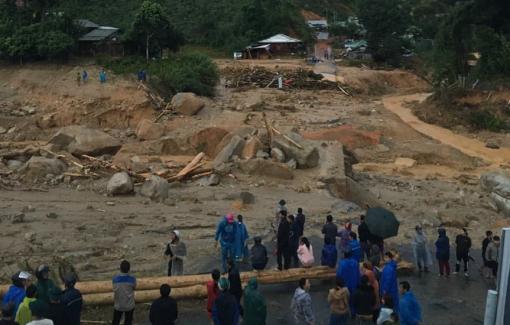 Cuộc sống màn trời chiếu đất của hàng trăm người dân bị cô lập ở Phước Sơn